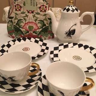 TeaPot, TeaCup, CakePlate Set - Tim Burton