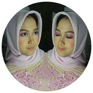 Makeup Artist Make Up Wisuda