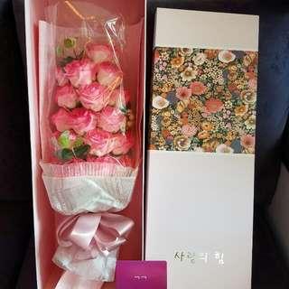 香皂粉紅玫瑰花束