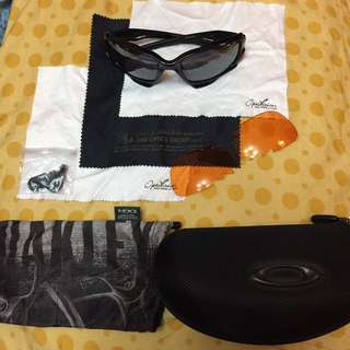 OAKLEY AUTHENTIC SHADES