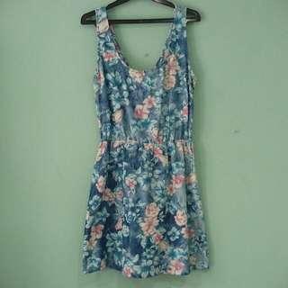 #JATUHHARGA Suite Blanco Denim Floral Dress