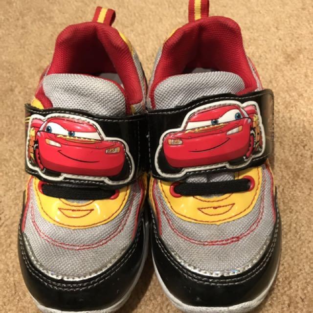 閃電麥坤鞋18碼