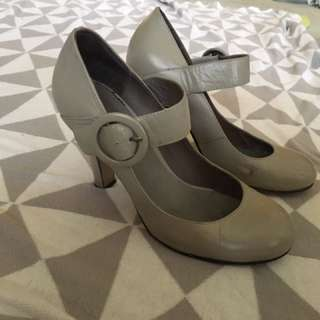 Women's High Heel Shoes Size 7