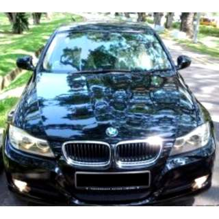 BMW 318i 2.0L A/T ABS D/AIRBAG 2WD 4DR