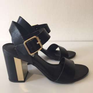 Steeve Madden High Heel Sandals (black 7)