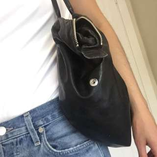 M0851 Black Leather Bag