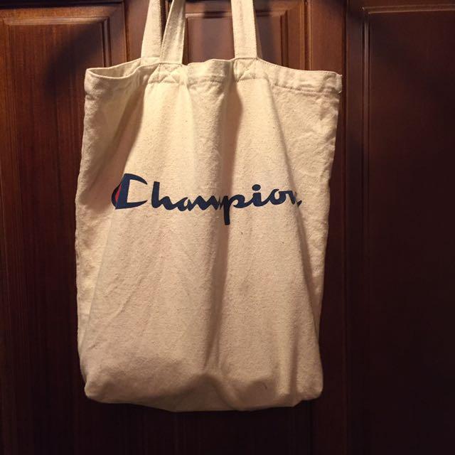 Champion側背包($150全家免運)
