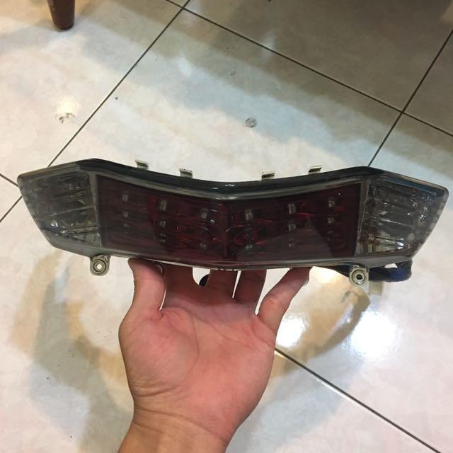 三代戰原廠尾燈 紅
