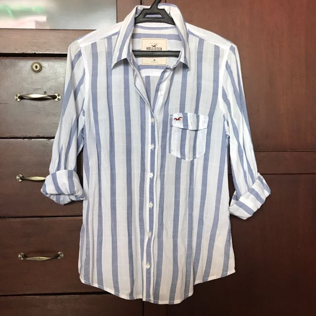Blue And White Patterned Hollister Top