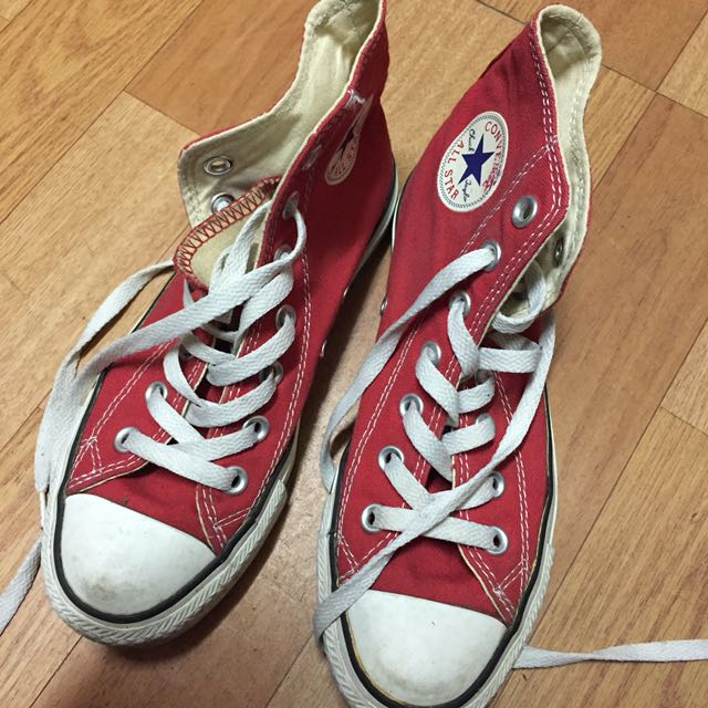 紅色高筒Converse帆布鞋