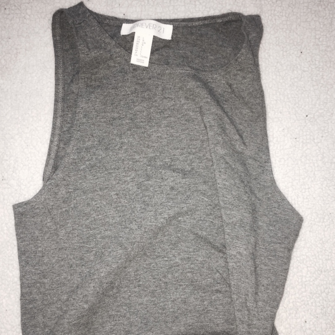 Forever 21 Gray Cropped Tank