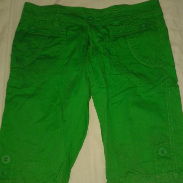 Green Shorts/pedal