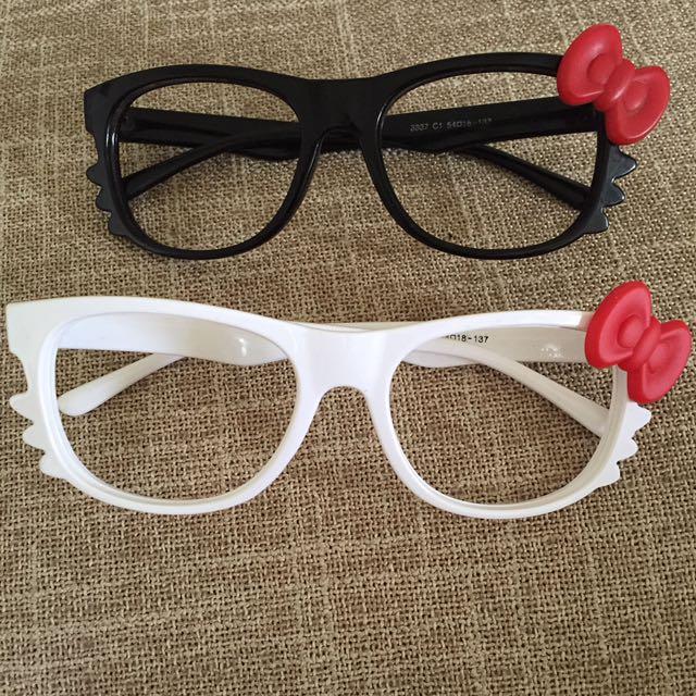 Kacamata HelloKitty