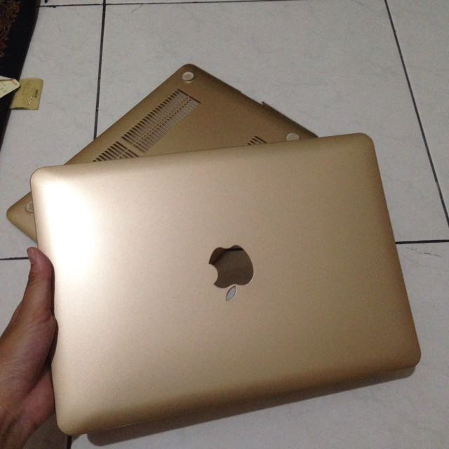 "Macbook Pro Retina 13"" Case Gold"