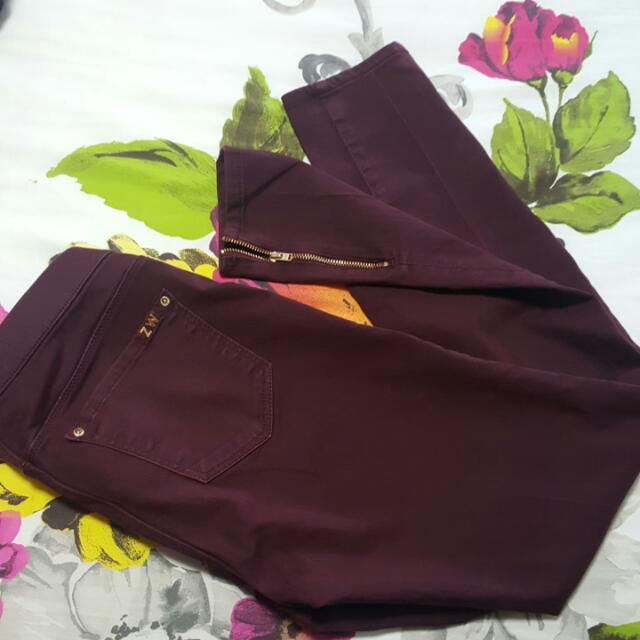 Marroon leggings