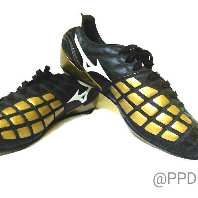 Mizuno Football Wear