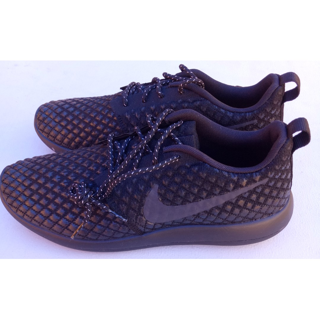 NEW Nike running shoes for Men, Black