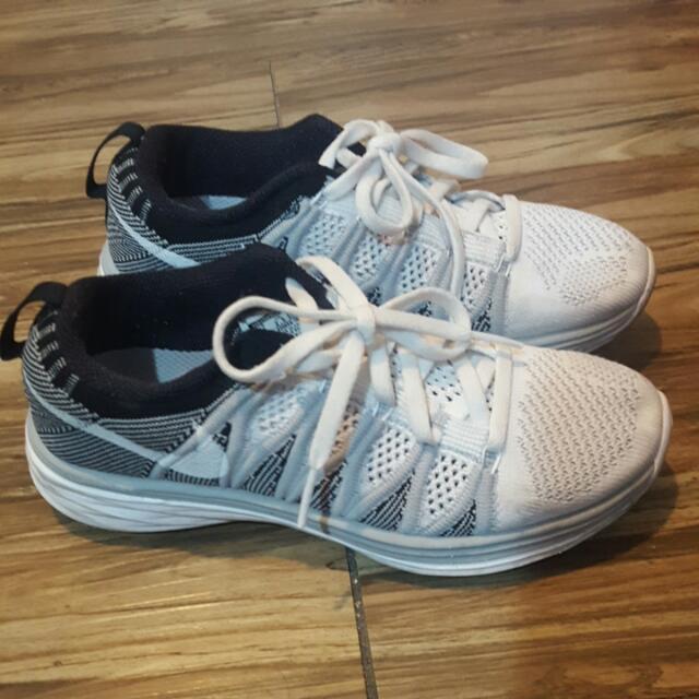 Nike Flyknit Lunar白色22號