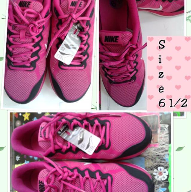 Nike Pink Shoes (orig)