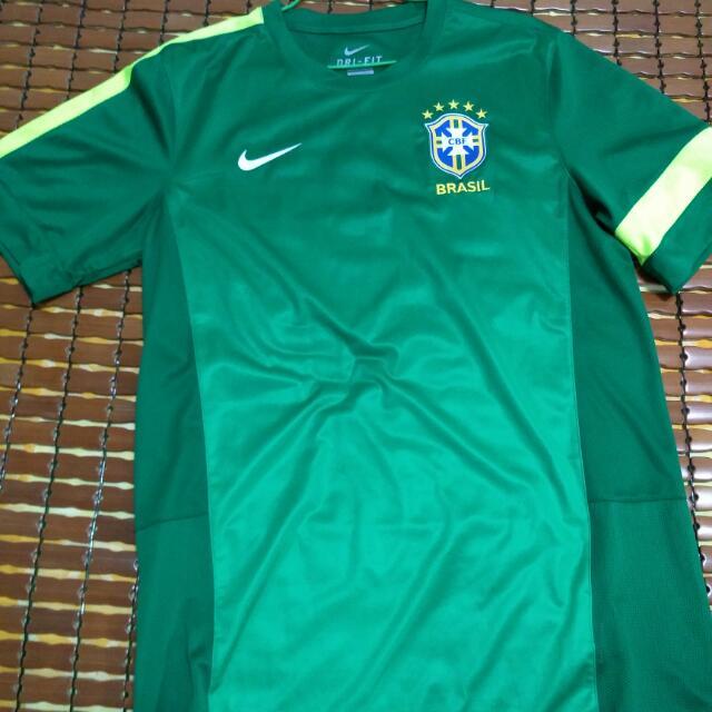 Nike足球衣尺寸l