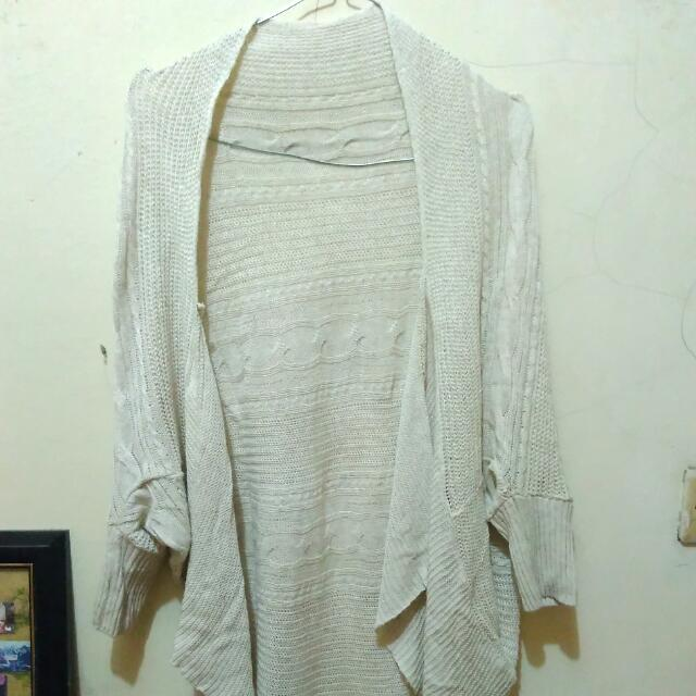 Outer Rajut broken white