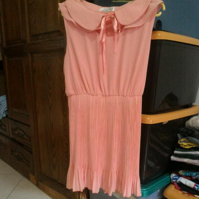 Peach dress gowigasa