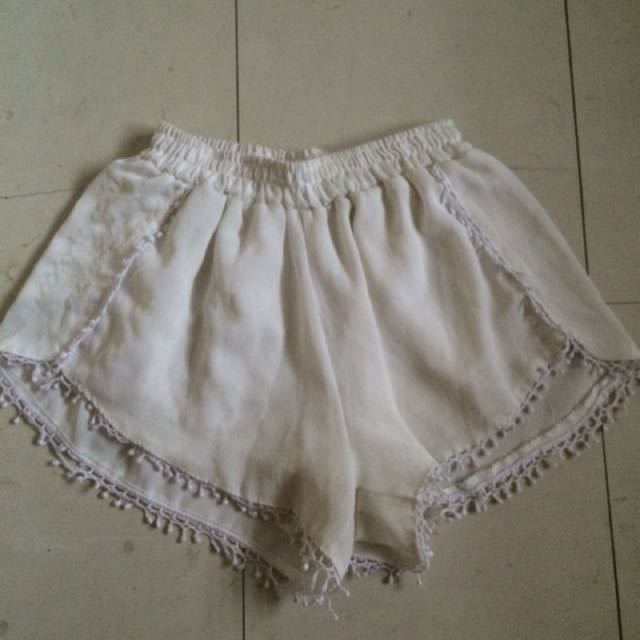 Preloved Boho White Short
