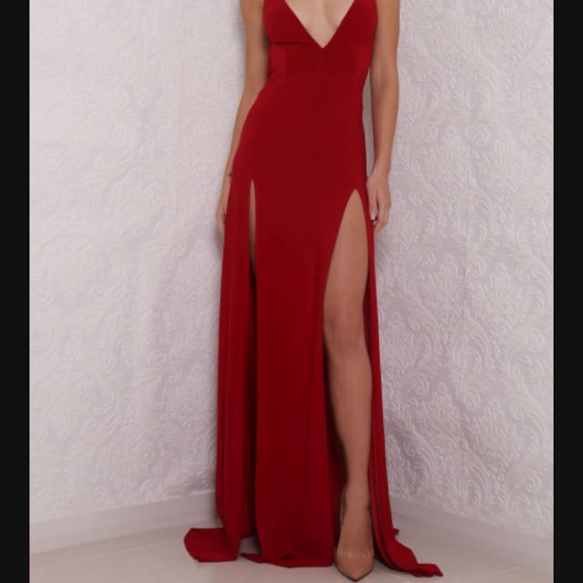 Red Formal/ball Dress For Hire!!!