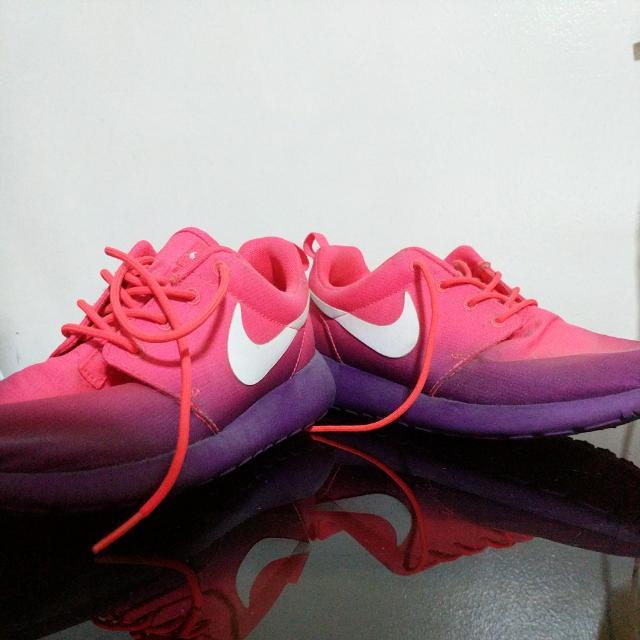 Authentic Nike Roshe Run Laser Crimson