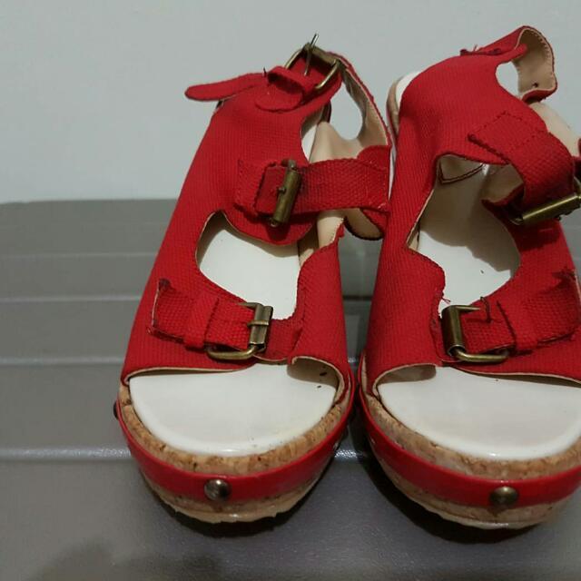 Sepatu Iwear Up Diana Rikasari