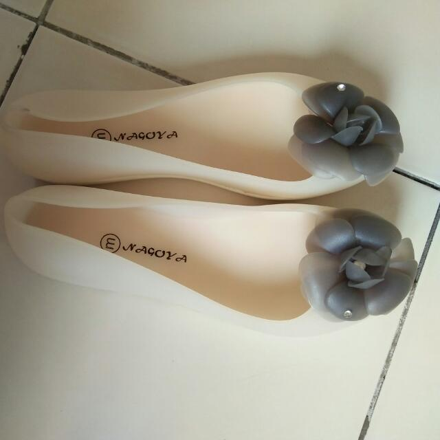 Sepatu Jelly Bunga