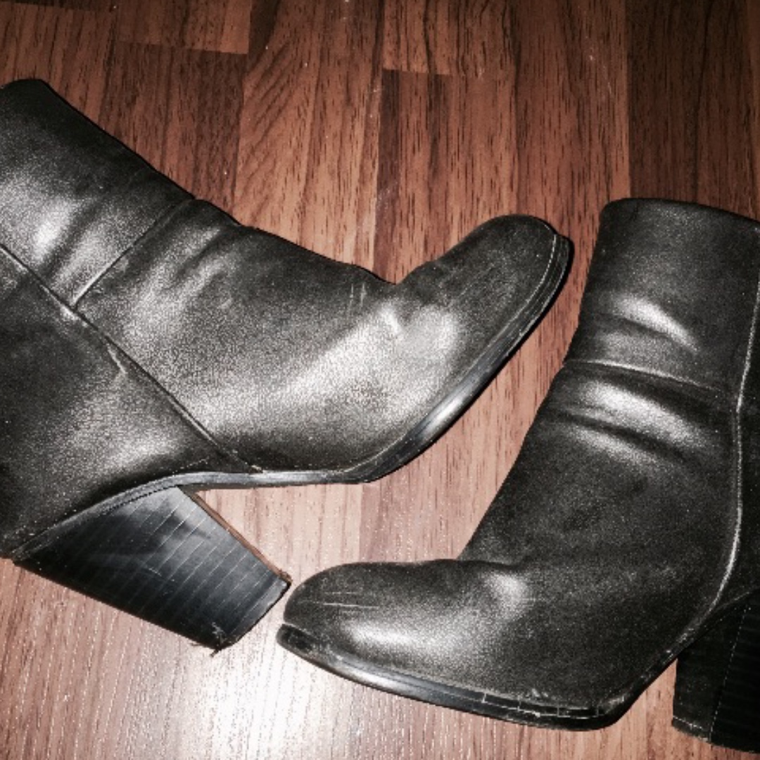 Silver Boots with a Heel