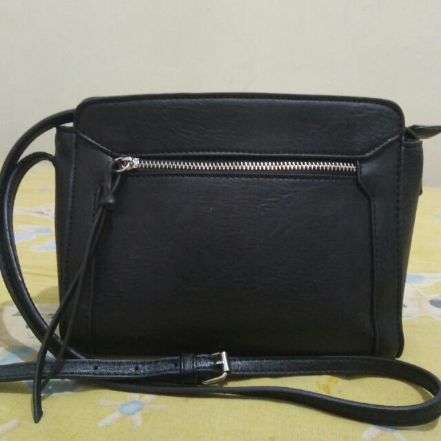 Sling Bag Stradivarius Ori