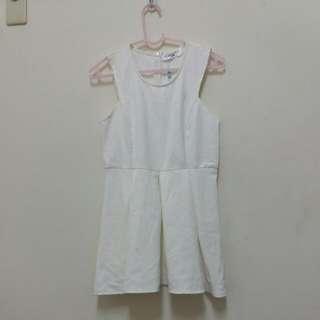 白色背心洋裝