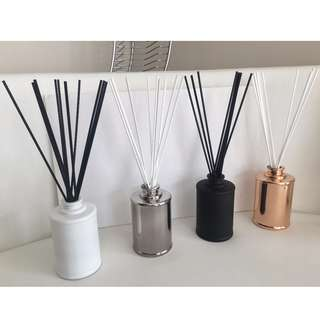SCENTED REED DIFFUSER - 200ml  BOTTLES - VARIOUS COLOURS