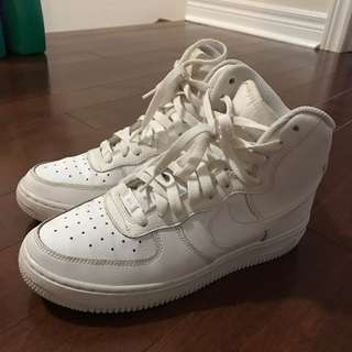 Nike Air Forces Hightop Size 6.5 Youth