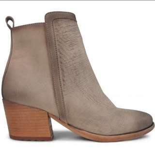 Brand New Wittner Boots (Vino) Sz 36