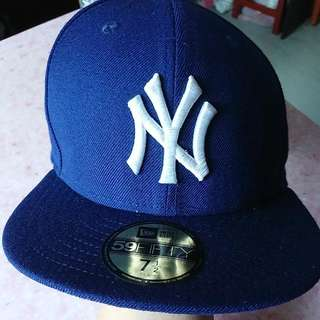 NY棒球帽 size:7 1/2 買左好耐但好耐無戴過 放上嚟睇下有無人有需要 $90正版 唔想再放係到浪費左