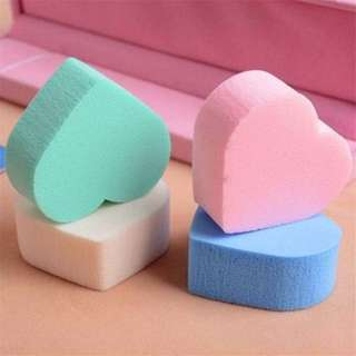 BEAUTY MAKE UP BLENDER POWDER PUFF (Bentuk Love)