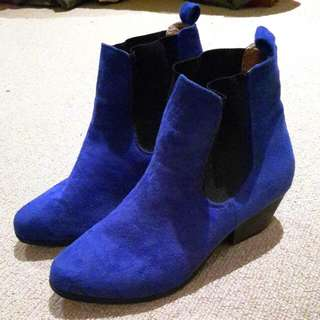 RUBY Royal Blue And Black Mid Heels Ankle Boots Faux Suede Sz 37 / AU 6/7