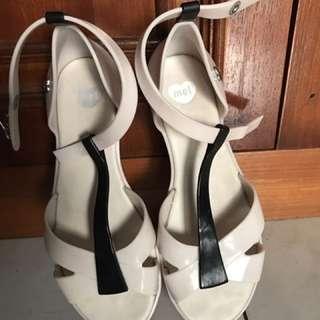 Mel By Melissa Sandals Size 35/36