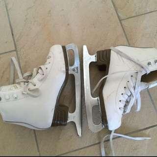PRICE DROP Girls Jackson white ice skates size 13
