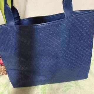 品牌藍色大包