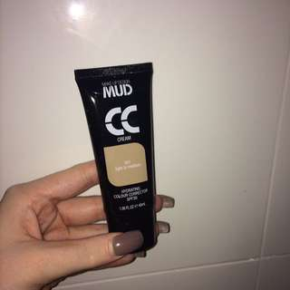 MUD - foundation/colour corrector