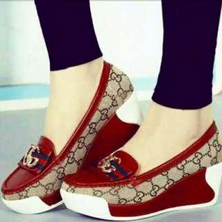 Sepatu Slip On Gucci Merah Maroon