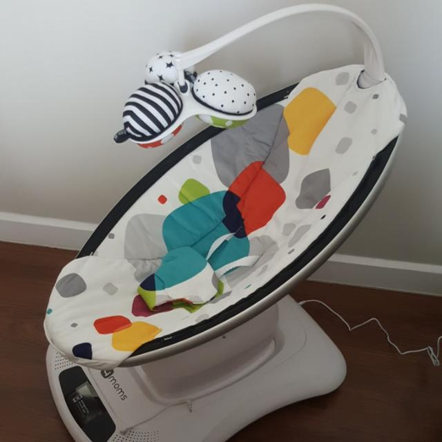 Brand New: 4moms Mamaroo Baby Swing / Rocker, Color - Multi Plush