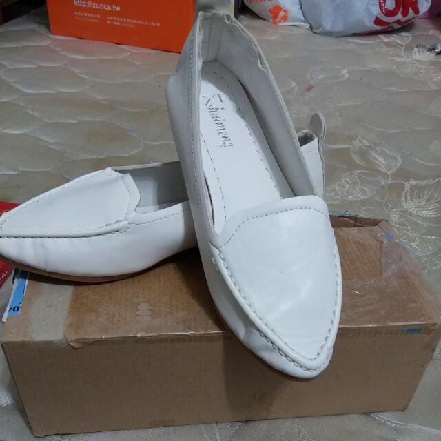 小白鞋,全新