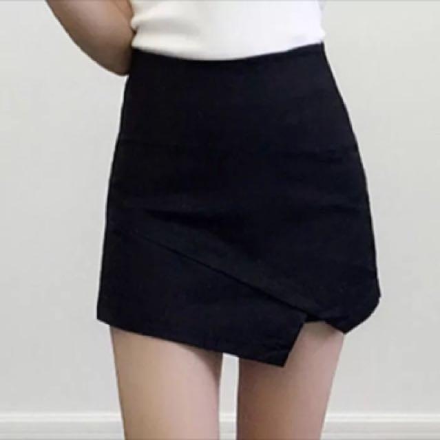 降⚡️修身不規則設計褲裙(黑)
