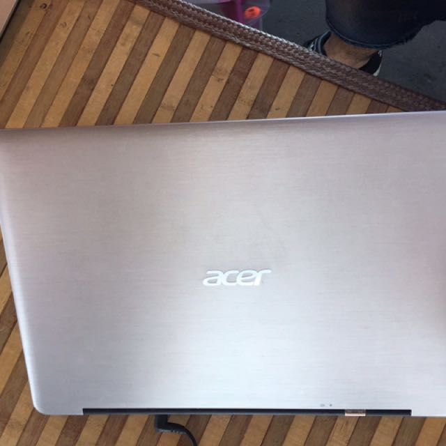 Acer Aspire. Icore5. Ram 4gb. New Battery