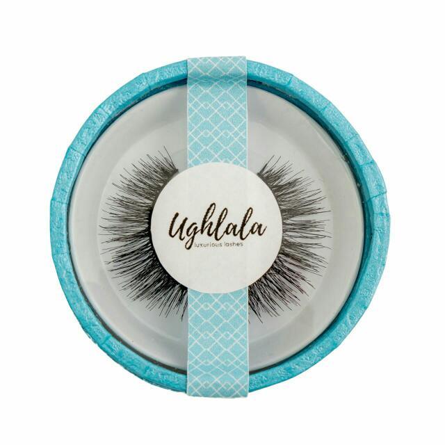 Eyelashes / False Lashes / Eyelash / Fake Lashes / Lash